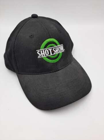 czapka shot show
